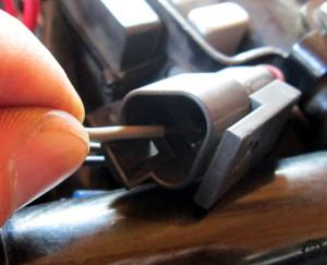 Tachosensor Stecker auspinnen
